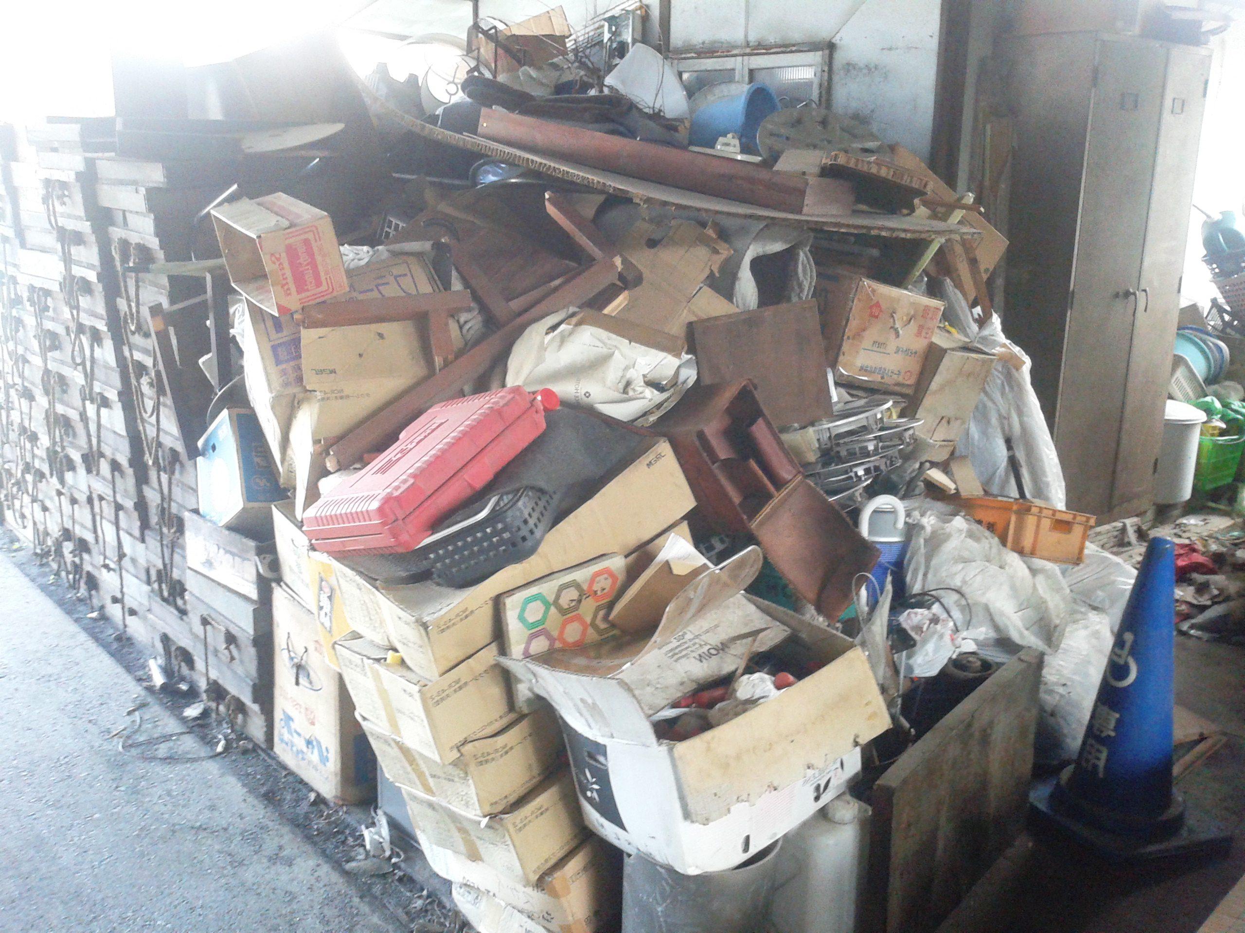 【産業廃棄物】整備工場の産業廃棄物収集を東京都練馬区にて行いました。