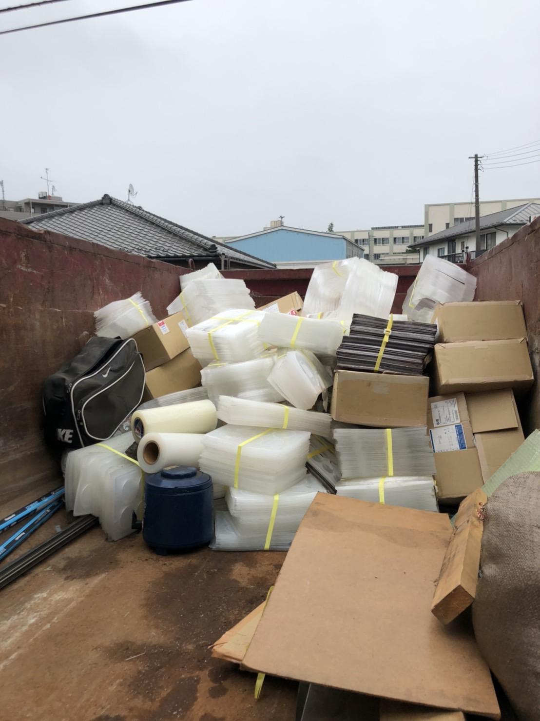 【産業廃棄物の回収処理】化学工場の廃棄物撤去を行った事例を紹介します。